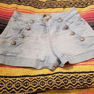Light wash sailor button jean shorts